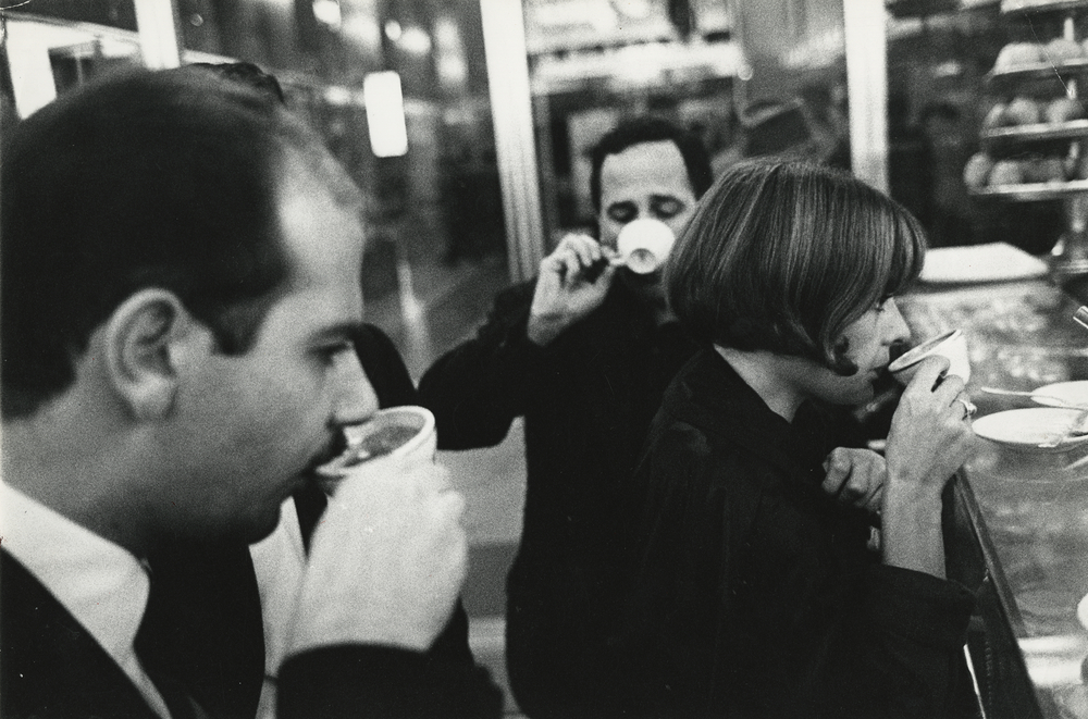 Coffee Bar, From the series »The Italians«  – – print by Bruno Barbey – OstLicht